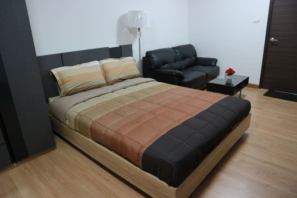 Queen size bed , Sofa
