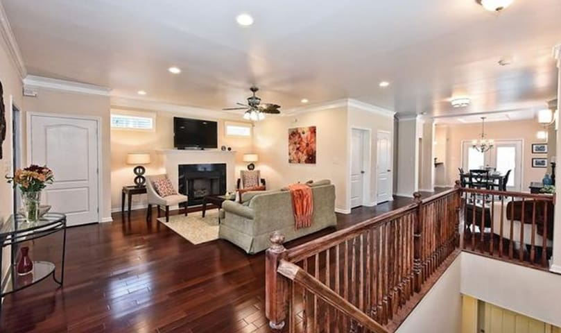 Adorable Craftsman Home with Themed Room & 2 Beds - Charlotte