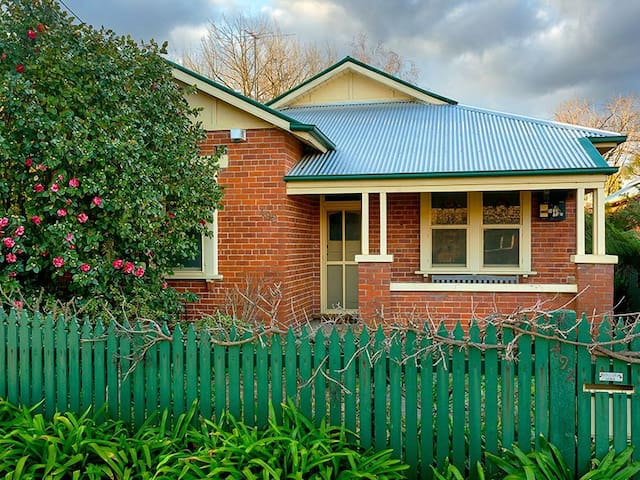 'Classic On George' - Family Home - Albury - Huis