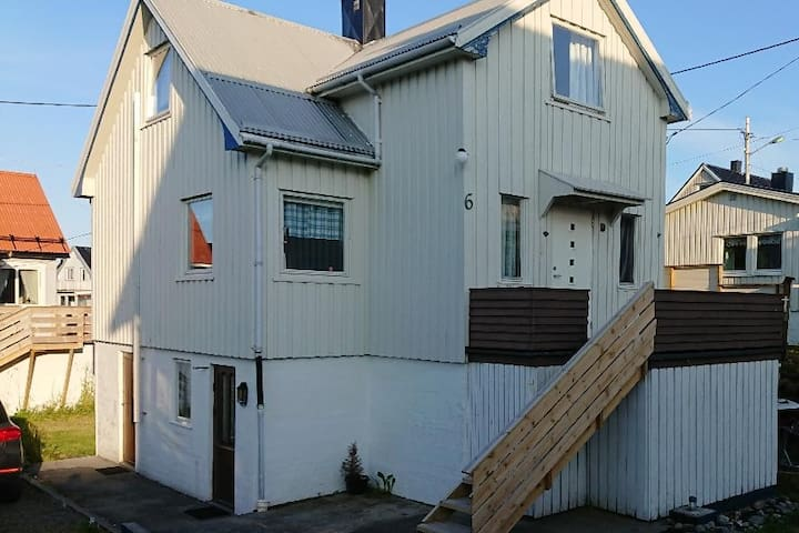 Cosy house in Henningsvær