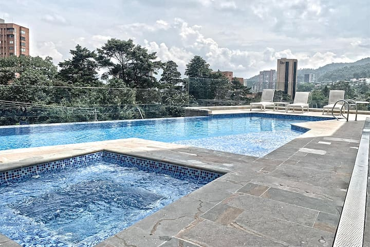 ★ El Poblado AMAZING Condo URBAN Hotel☆ Pool & Gym
