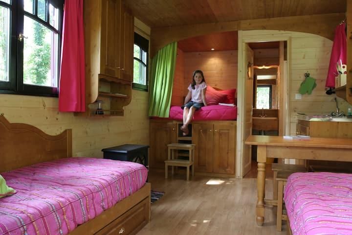 Gypsy bohemian caravan for 2 or 5 people