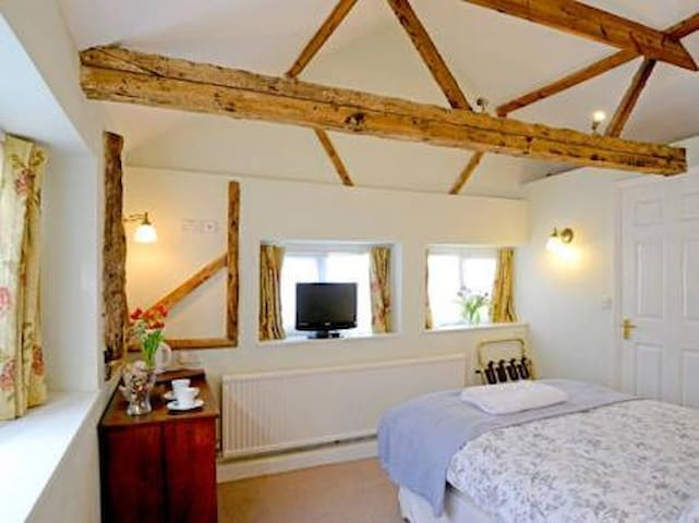 The Pear Tree  Cottages  B&B cozy chic county digs - Balsham - Bangalô