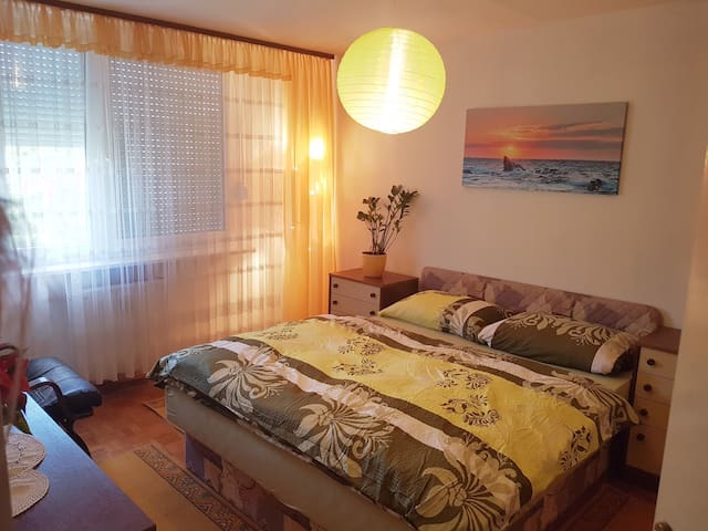 Cosy apartment-near city center