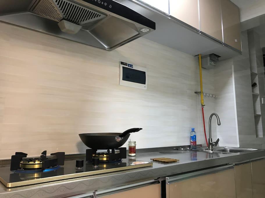 厨房,已经有基本的做饭工具