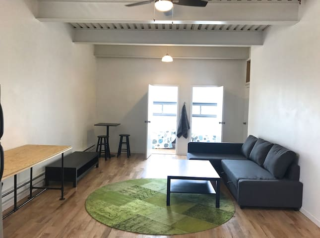 Sunny, Cozy Flat Minutes from the City! - Queens - Departamento