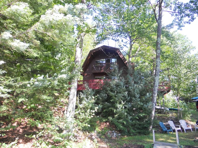 Charming Lakefront House - Ludlow - Hus