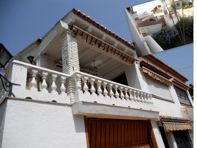 House with garden in 5 min on foot of the sea. - Almuñécar - House