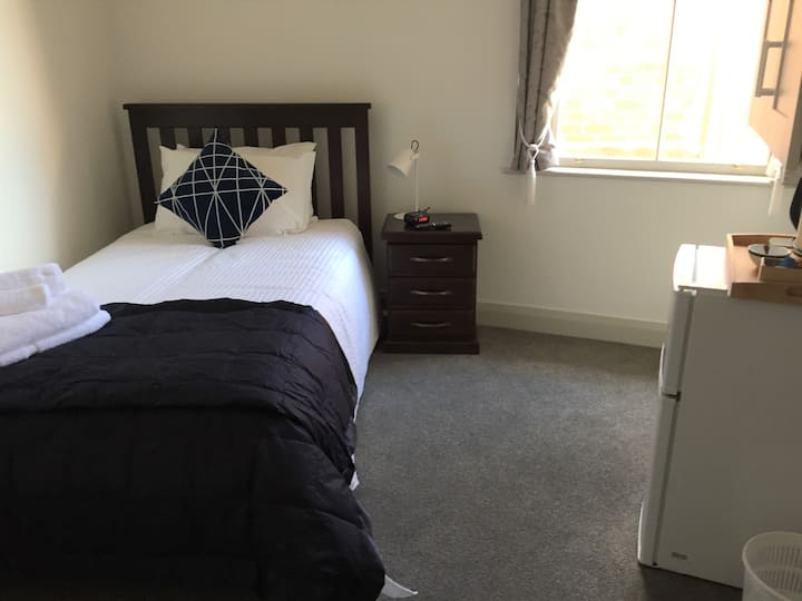 Unique Howick Location - King Single Room G