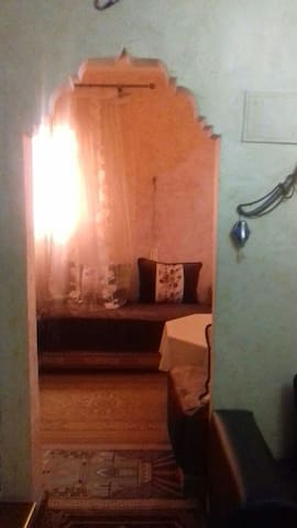 Traditional MOROCCAN House Near to airport & WI-FI