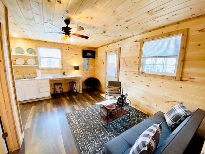 ⭐️ Cozy Cabin 3 mins from Marker 66 Marina ⭐️5 beds