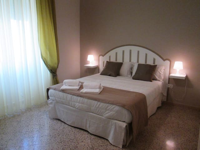 Two-rooms flat on the seafront - Salerno - Flat
