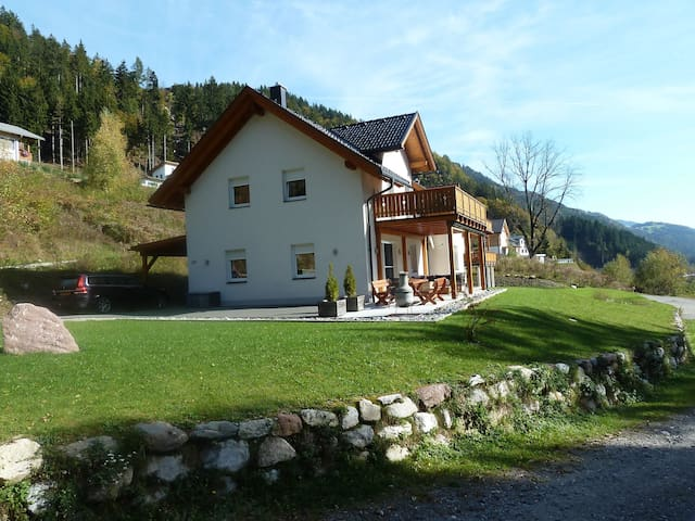 Luxury Villa -Villa Vicana! Four seasons beautiful - Gemeinde Kirchbach - Hus