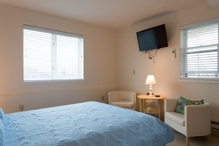 Surfside Suites Unit #1