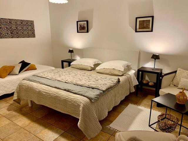 Chambre Triple 2 - Accès Jardin - LeBoisDesPierres