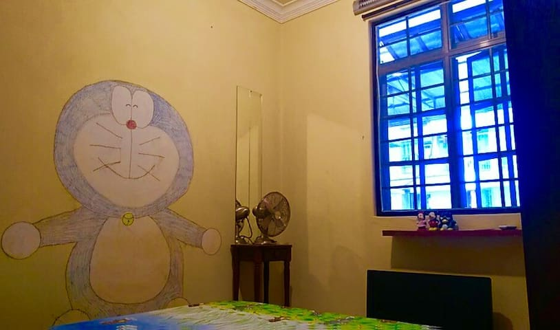 ★Authentic Budget Homestay @ Doraemon Room ★