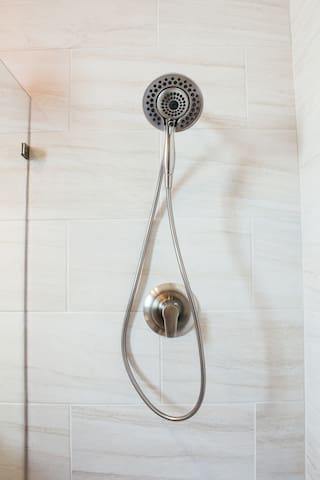 Large showerhead for great showers.