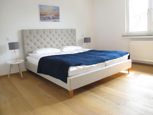 Gemütliches Apartment, Hell & Ruhig, Balkon, 70m2
