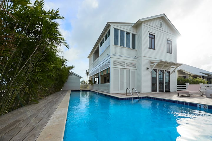 Coastal Living 3BD Idea House w/ Pool + Beach Club