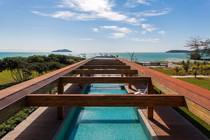 Luxurious Beach House in Buzios - BUZ010