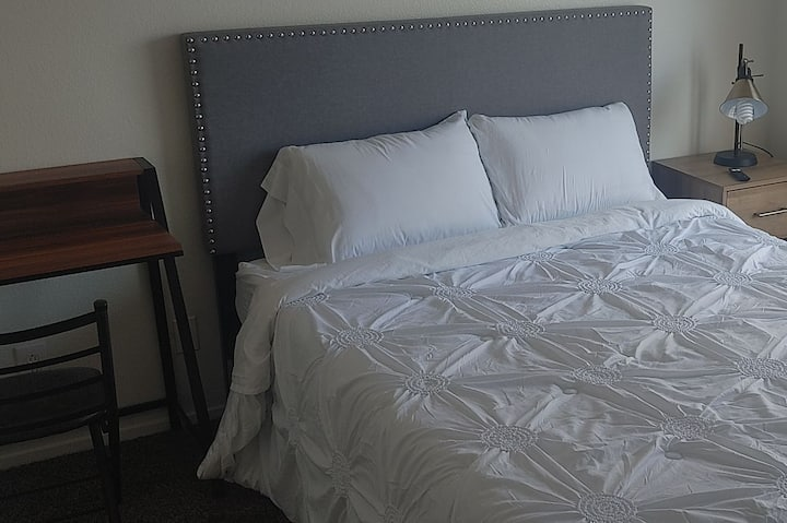 Cozy one room with all amenities included!