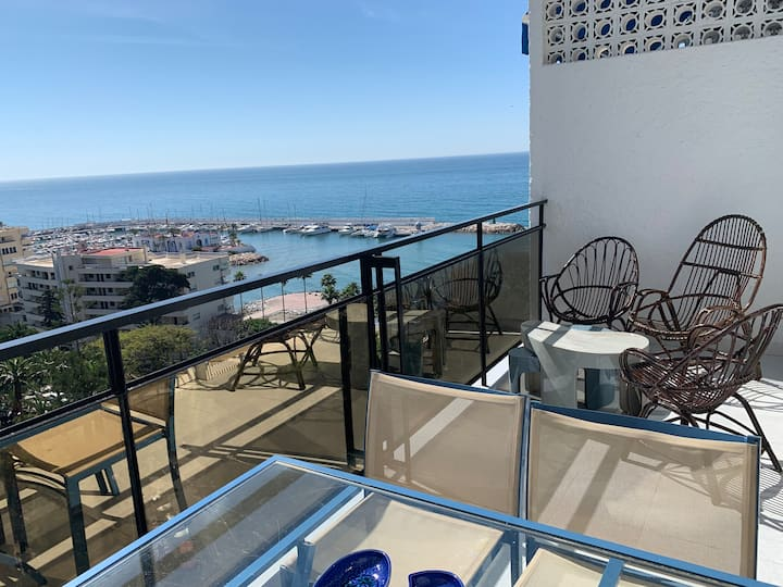 Skol 712A Beachfront Central with Views and WIFI