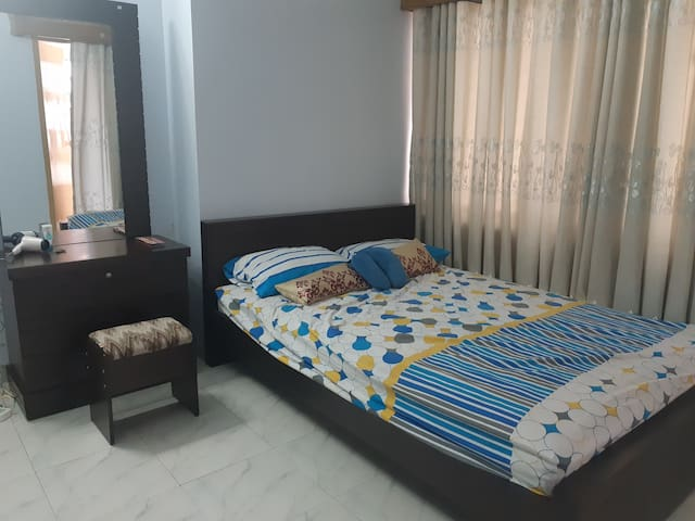 Comfortable, private in central Dhaka city.