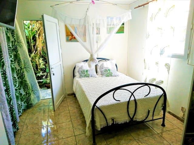 Beautiful studio with garden & Wifi