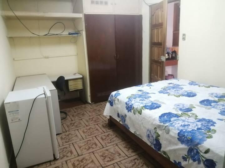 Habitacion con Internet Y Cable UCR Uned ULatina