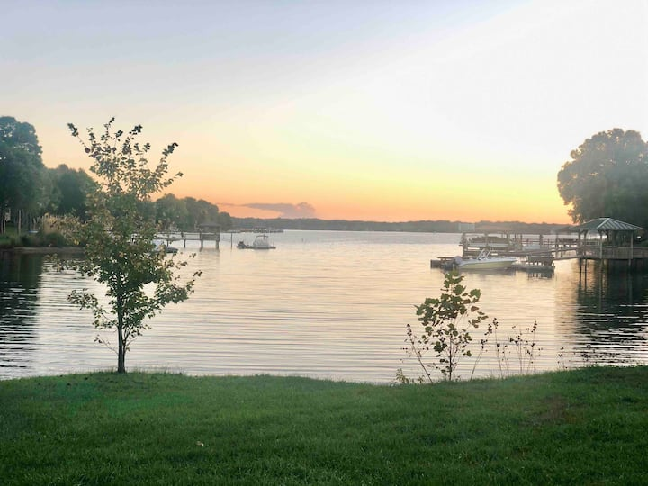 Exclusive Modern Day Luxury near Lake Top Golf