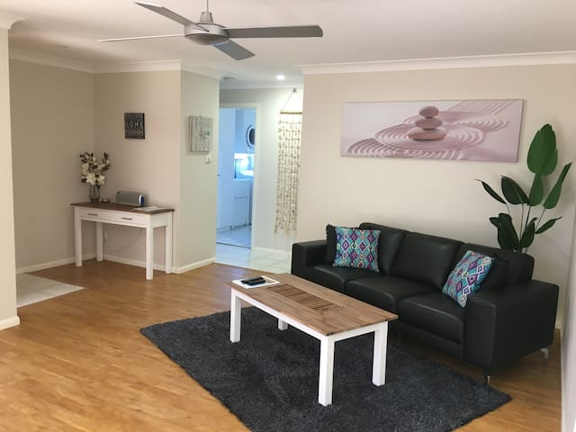 Sawtell Seaside Villas B Location Location!