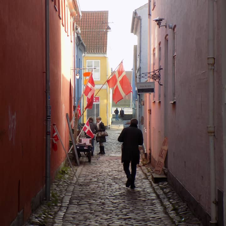 Charming alleys and  hidden courtyards
