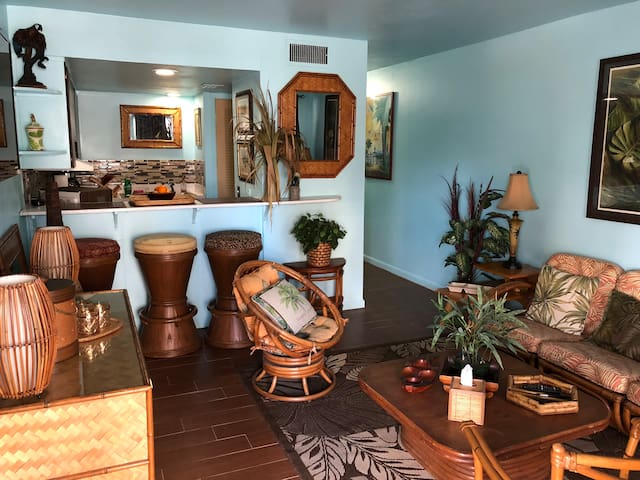 """Bamboo Bungalow""- My Little Aloha In Jax Beach!"
