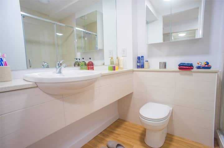 Student Only Property: Fascinating Premium Studio - LOS 12 months 10% off