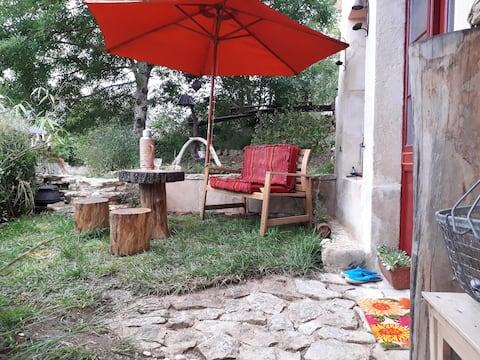 """студия """"Le patio"""" на частном саду"""