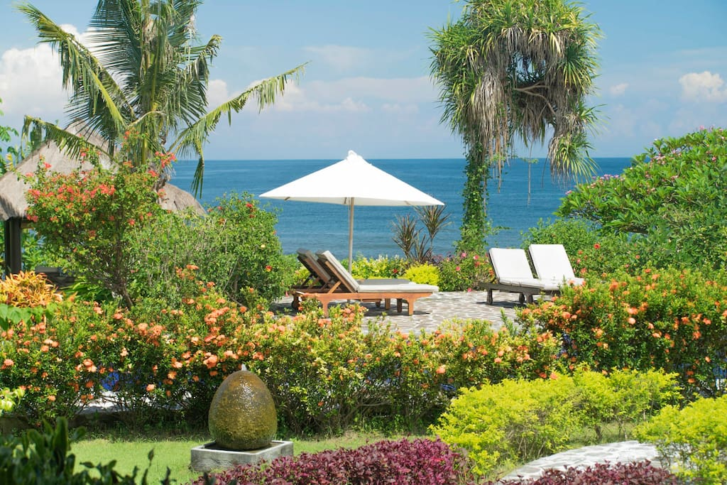 Garden, pooldeck private pool and Bali Sea
