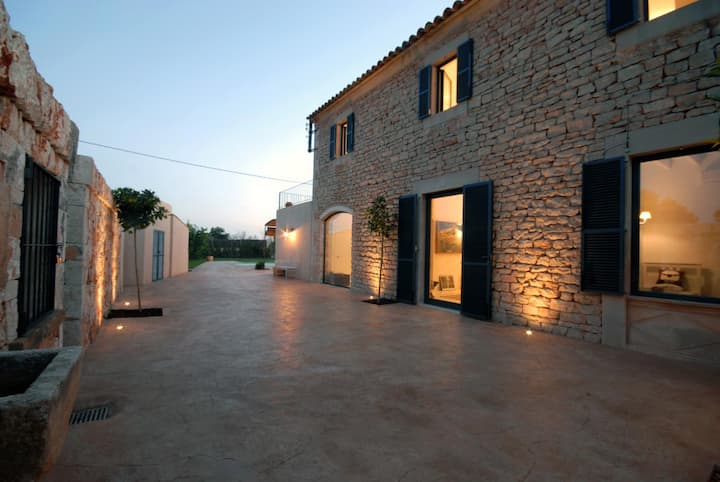 Country House in Santanyi with pool