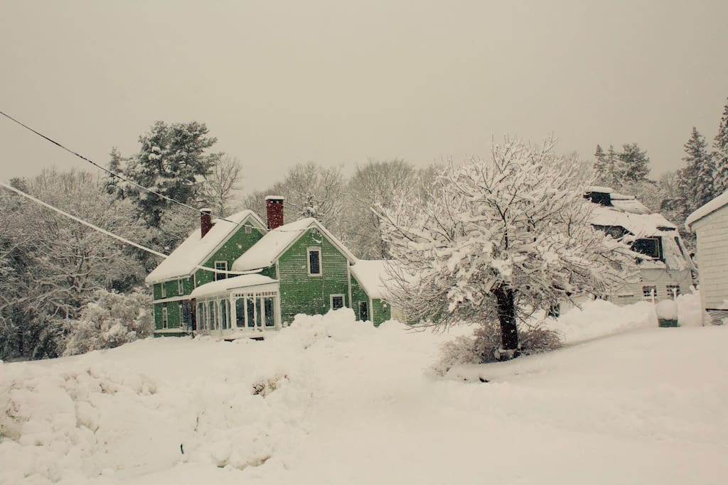 Winter view of the farmhouse.