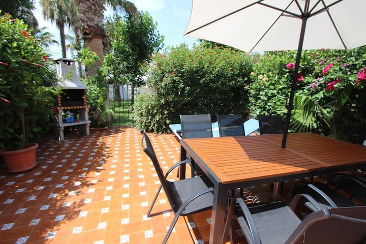 Casa Atalaya - Very tastefully furnished townhouse close to beach and town center