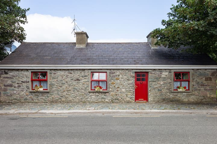 Katie Daly's Farm Cottage on the Ring of Kerry