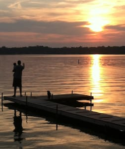 Lake House - Beautiful Sunset Views - Walkerton - House