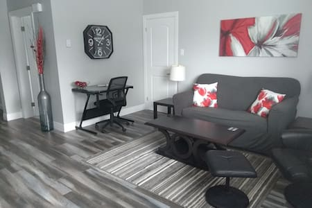 "Alvin's ""New Addition"" 1 bdrm apt in old SaintJohn"
