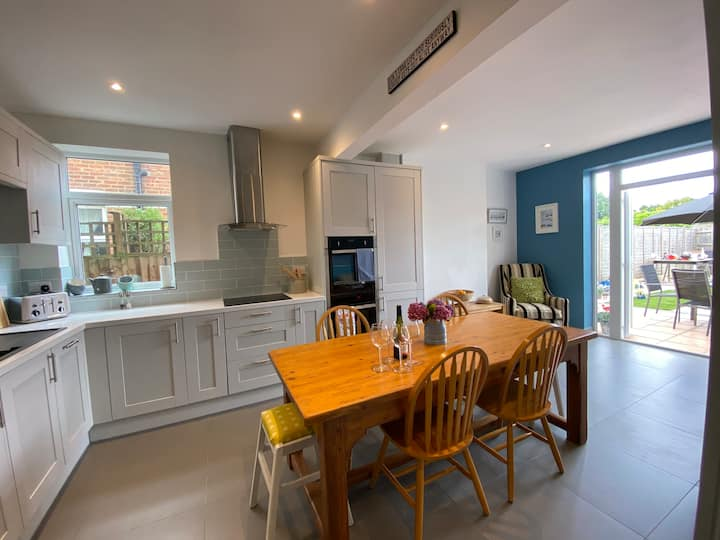 Bournemouth 3 bed house & garden, newly renovated