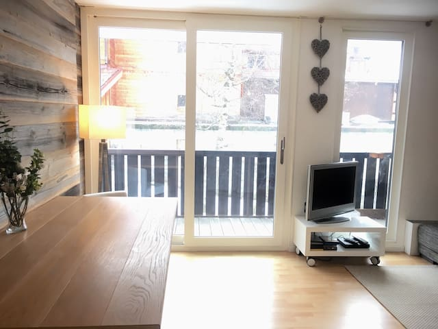 and dining area that gives onto the sunny balcony