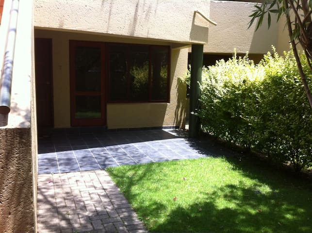 Immaculate Apartment in Sandton - Sandton - Appartement