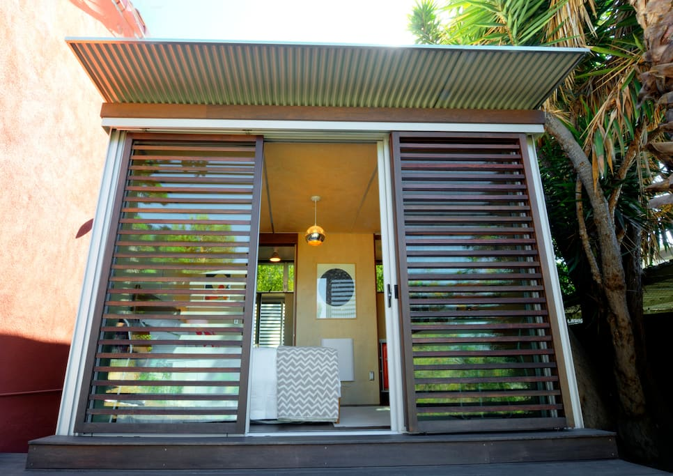 Silver lake modern cabin w views guesthouses for rent in for Cabin los angeles