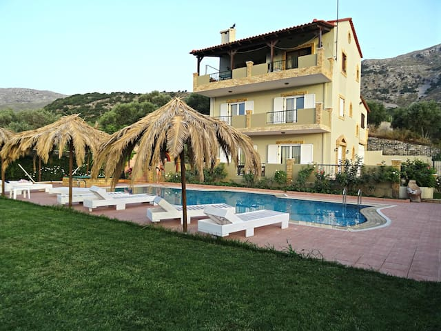 Annlexander Villa Maisonette 01 with Swimming Pool - Patsos - Villa