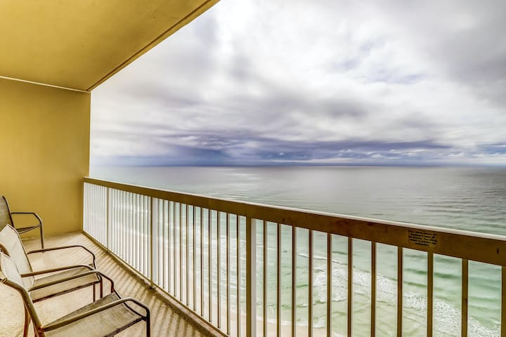 Comfortable & clean, Gulf front getaway w/ shared pools, hot tub, & beach access