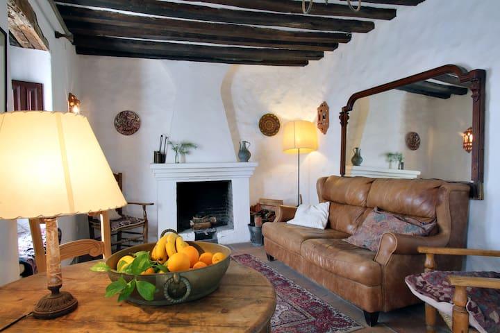 Spacious townhouse with garden - Gaucín - Huis