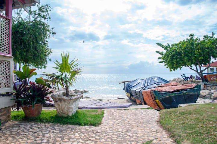 Horizon Cottage - Rasta Ranch, Belmont Jamaica - Bluefields Bay - Houten huisje